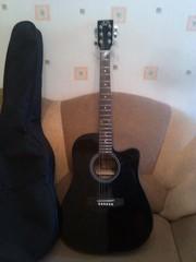 Подам акустическую гитару и чехол ДЕШЕГО